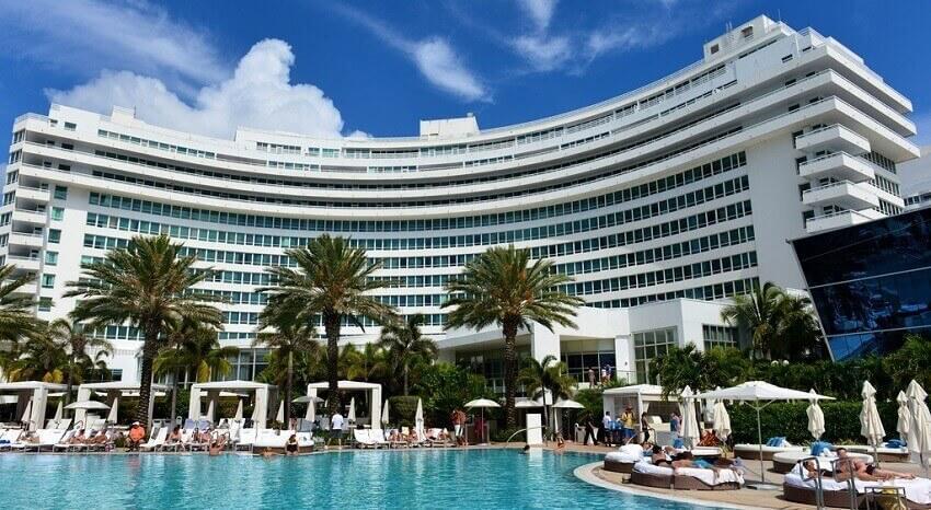Shopping miami les bons plans de will davis - Hotel fontainebleau piscine ...